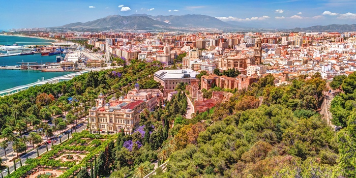 Panoramaudsigt ud over Malaga, Andalusien i Spanien