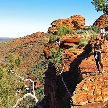 Turister i Kings Canyon - Northern Territory i Australien