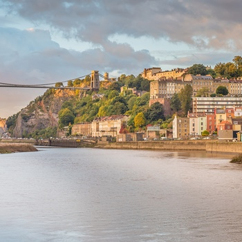 Clifton Suspension Bridge set fra Avron floden i Bristol, Sydengland