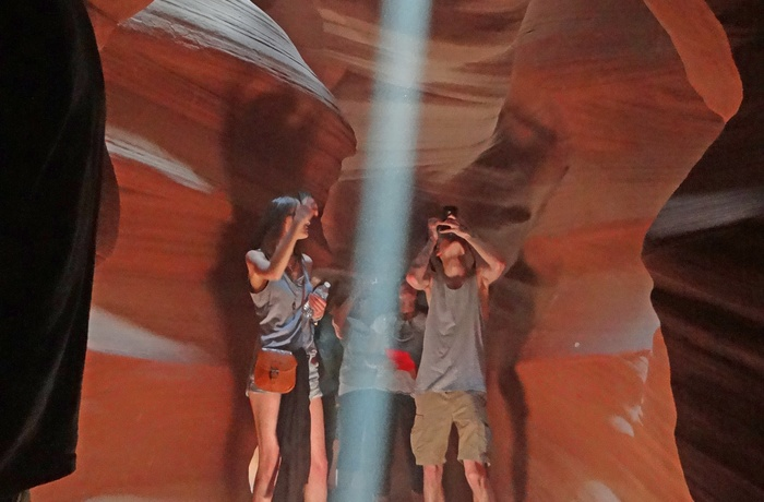 Rejsende i Antelope Canyon i Arizona, USA