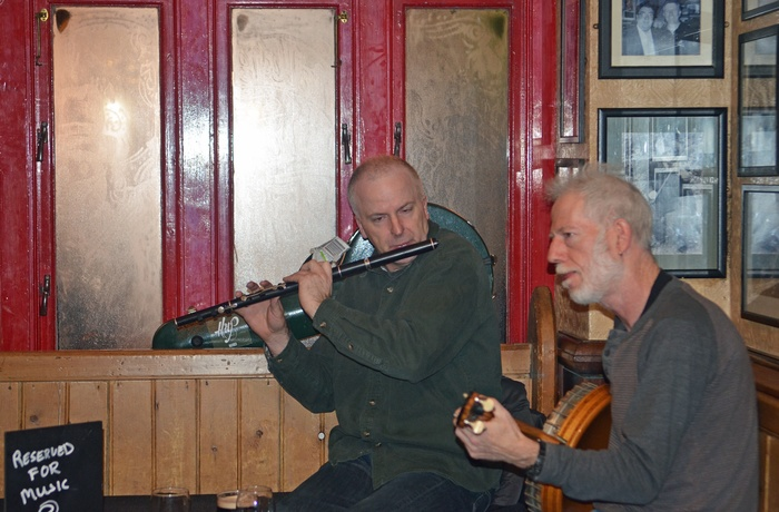 Musikere i Tig Choili Bar i Galway, Irland