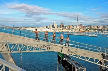 Bridge Walk på Auckland Harbour Bridge, New Zealand
