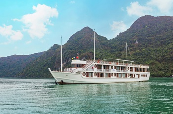 Calypso Cruise, Halong Bay, Vietnam
