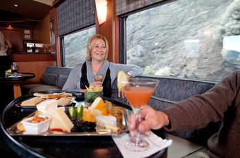 Rocky Mountaineer - lounge på toget , Canada