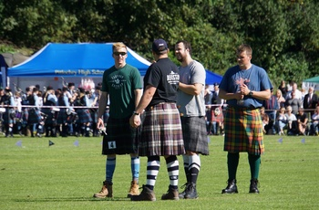 Konkurrenter ved Highlandgames, Skotland