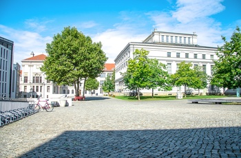 University Square i Halle, Harzen