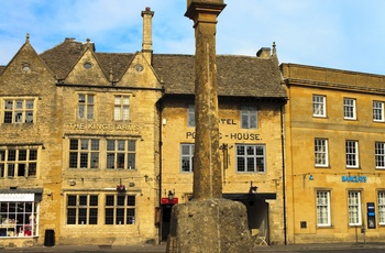 Stow-On-The-Wold, Market Square, Cotswolds, UK