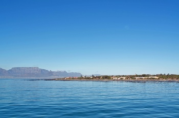Robben Island med Table Mountains i baggrunden, Sydafrika