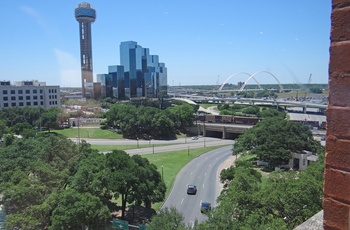 Udsigt fra The 6th Floor Museum om JFK i Dallas - Texas