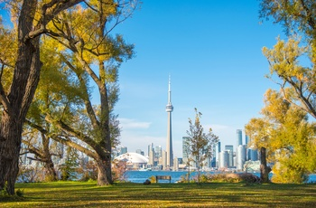 Udsigt fra Toronto Islands til CN Tower og skyline, Canada