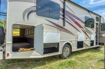 Road Bear autocamper C30-32 Type U - USA