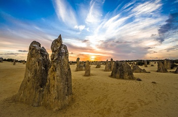 Solnedgang over The Pinnacles i Nambung National Park, Western Australia