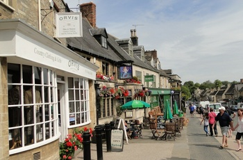 Burford High Street, Cotswolds, UK