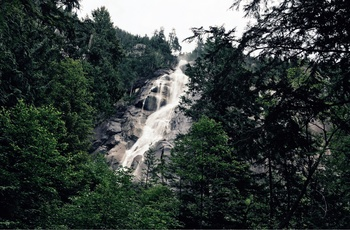 Shannon Falls ved Sea-to-sky-highway i Canada